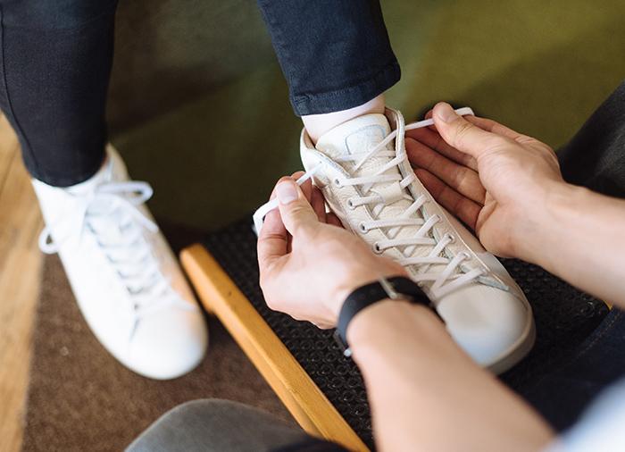足と靴に特化した専門スタッフがご対応いたします